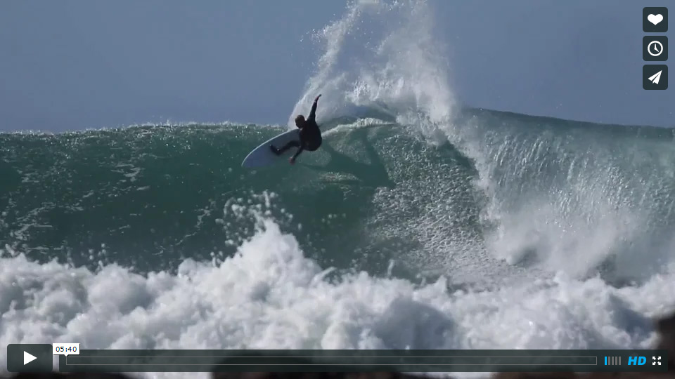Kelly Slater surfing Supertubes in JBay